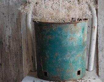 Vintage Primitive Green Metal Bucket, Sap Pail, Rustic Farmhouse Cottage Decor