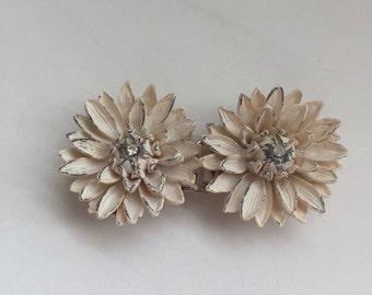Molded Plastic Belt Buckle Vintage Celluloid Flowers