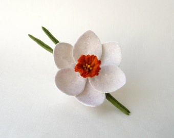 Felted brooch boutonniere white narcissus daffodil, ready to ship