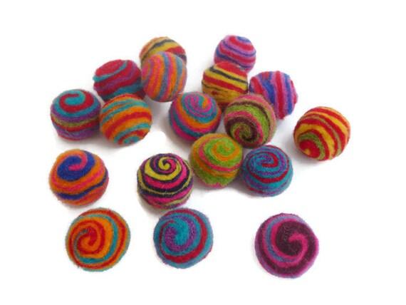 Felt balls 100 wool pom pom ball 25mm handmade bead arts and for Felt arts and crafts