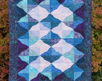 "MOUNTAIN MISTS  68"" X 80"" Bed Quilt or Throw"