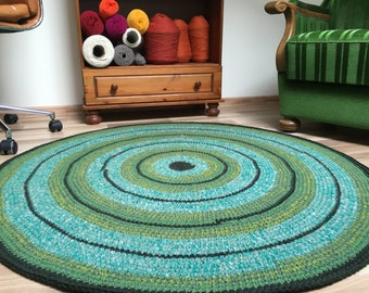 Hand made artsy green rug, 48 inches in diameter, ready to ship