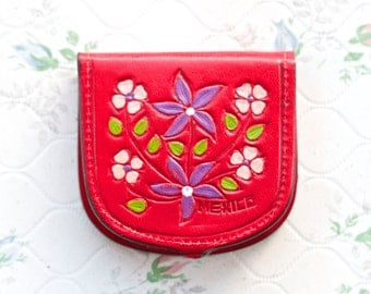 Red Leather Coin Purse with Embossed Flowers - Little Horseshoe  Pouch - Taxi Drivers Wallet - Made in Mexico