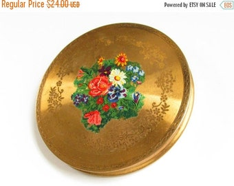 SaLe Vintage Flower Powder Compact made in Great Britain 1940s