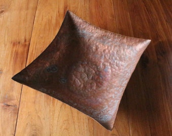 4 Pointed hat copper bowl