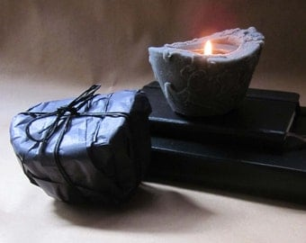 Classic Black Beeswax Palmwax Candle, Classic Balck Natural Wax Candle in the color black