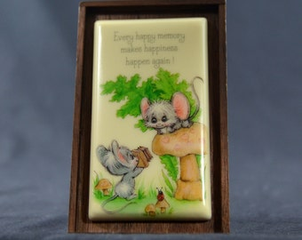 Little Gallery by Hallmark Ceramic Plaque Stand with Two Mice and Toadstool