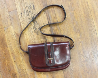 Classic Leather Handbag / Glossy Leather Saddle Bag / Vintage Women's Purse