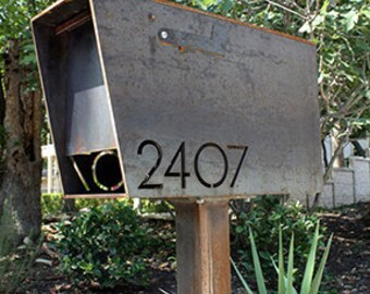 The Dexter Custom Mailbox