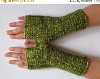 Fingerless Gloves Moss Salad Green wrist warmers