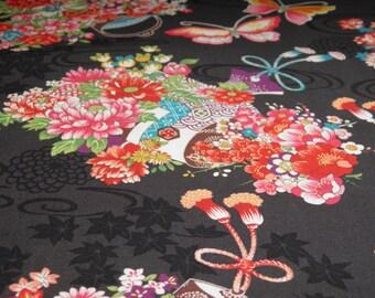 Tissu motif fleuri collection Chôtokiku  fond noir- 50 cm