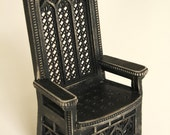 Throne 1:12 scale 'King-size' (ready-assembled and white painted)