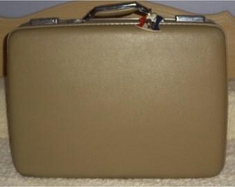 Vintage Tan Luggage American Tourister Tiara