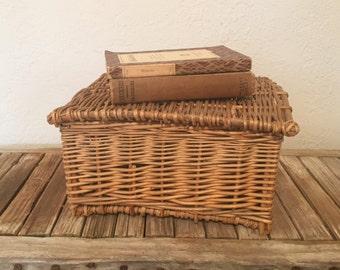 Vintage Lidded Woven Sewing Basket