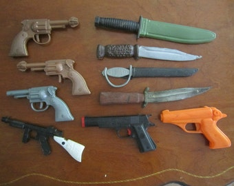 Vintage lot of Toy Guns, Daggers and Knives. Plastic Toy Weapons. Vintage Pretend Play Toy Accessories.