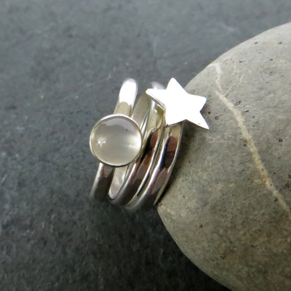 moonstone rings with stars - photo #7