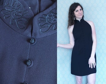 1990s Solid Black Sleeveless Dress with Halter Neckline and Mandarin Collar / Embroidered Mini Midi Little Black Dress LBD / Medium M 6 7 8