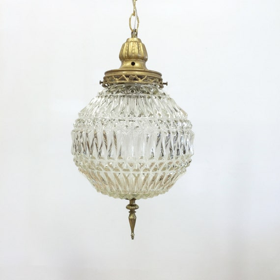 Hanging Lamps That Plug In To The Wall : Vintage Pendant Light / Swag Lamp Clear Glass Globe Hanging