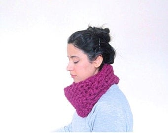 Chunky Cowl, Infinity Scarf, Cowl Snood Scarf in Magenta Purple handmade - READY TO SHIP