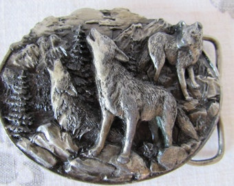 Wolf BELT BUCKLE 1981 Bergamot Co. Silver  Siskiyou Belt manufacturer