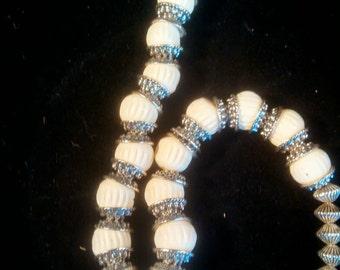OS et corne collier