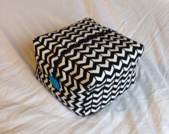 Black and white Herringbone / Blue essential oil bag, handmade.  Holds 20 bottles (for 5ml and 10ml bottles)