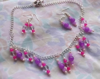 Necklace and earring set pinks