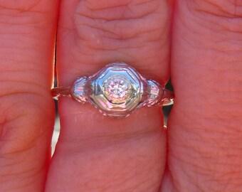 ART DECO Antique 18KT white gold Diamond Filigree Ring  Engagment Ring   Bezel set with flowers
