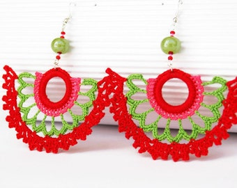 Crochet earrings - Large crochet earrings - Crochet earring jewelry - Red and green - Fan style