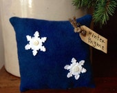 Winter Thyme~ Primitive Snowflake Bowl Filler~ Pillow Tuck~ Happy Holidays~ Prim Winter~ Rustic Christmas~ Blue Holiday Decor~ Vintage Quilt