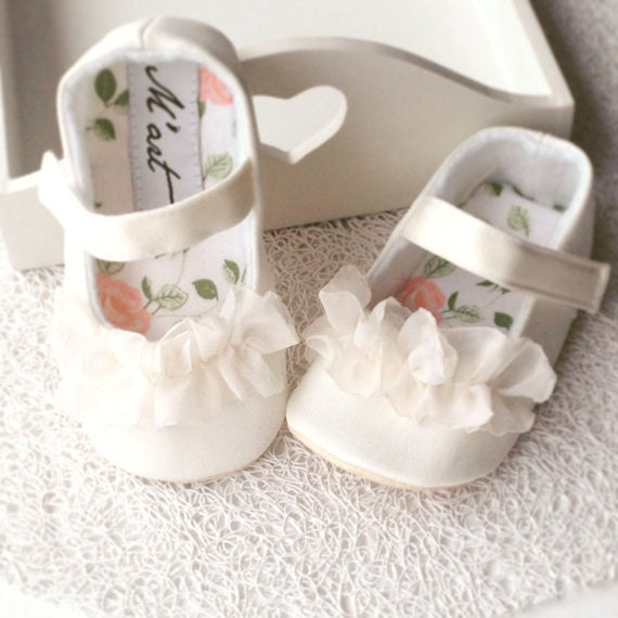 Christening shoes white baby shoes baby girl shoes flower