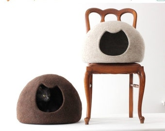 SALE Cat bed - cat cave - cat house - wool cat bed - natural beige felted cat bed - made to order - Christmas gift