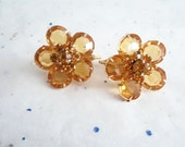 Retro Kitsch Mid Century Amber Marigold Prong Set Rhinestone Flower Clip On Earrings Jewelry
