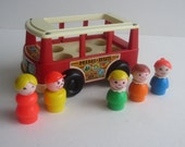 1969 Fisher Price Mini Bus FP141 and 5 Little People