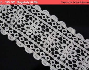 SALE 2 YARDS White Lace Crochet Trim Ribbon for Crafts