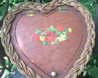 Vintage Heart Shaped Wicker Sewing Basket Round WIcker Sewing Tote Antique Sewing Box