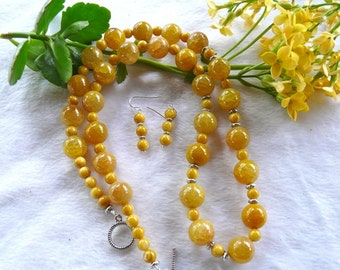 27 Inch Chunky Golden Yellow Dragon Vein Agate Necklace with Earrings