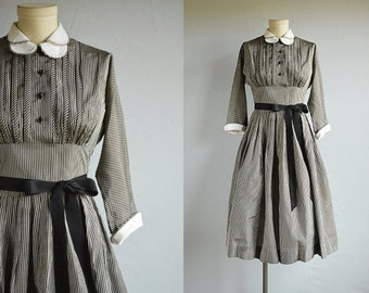 Vintage 50s Dress / 1950s Joan Miller Black Grey Gingham Check Taffeta Party Dress with Circle Skirt and Peter Pan Collar