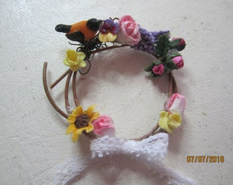 Darling Miniature Wreath      Free Shipping