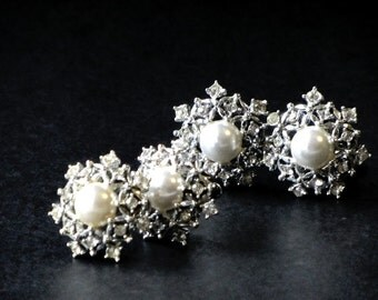Sarah Coventry Ultima Snowflakes Demi Parure Rhinestone Studded Silver and Pearl Clip Earrings and Scatter Pins Winter Wedding