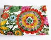 Lovely Vintage Rustic / Retro Blended Colourful Flower Fabric for sewing, Sewing Supply Yardage Restpiece
