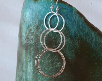 Sterling Silver Tribal / Minimalist Style Chain Hoop Drop Earrings in Polished Silver