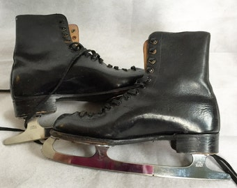 CC41 Ice Skates 1940s sz7.5 UK