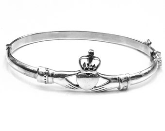 Claddagh Bangle Bracelet, Sterling Silver Claddagh Bracelet, Celtic Bracelet, Celtic Jewelry, Celtic Fashion, Gifts for Her, Gifts for Him