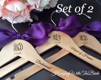Set of 2 Monogrammed Wedding Gift,Wooden Engraved HangerCustom Bridal Hangers,Bridesmaids gift, Wedding hangers with names,