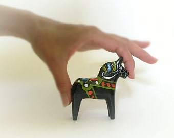 "Shop ""dala horse"" in Art & Collectibles"