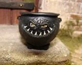 grinny cauldron - 12th scale