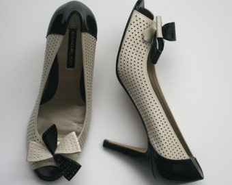 vintage bandolino pumps size 8.5AA patent leather