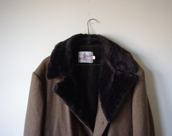 Vintage Woodsman Brand Wool Coat W/ Faux Fur Collar - 42R