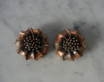 Vintage Earrings, 1950s Earrings, Copper Earrings, Flower Earrings, Clip On Earrings, Floral Earrings, Retro 50s Earrings, Costume Jewelery